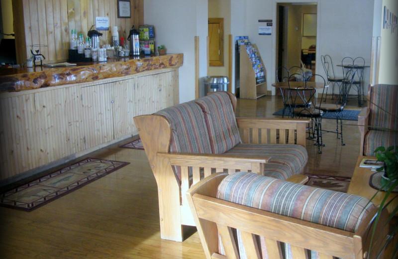 Lobby at Elkhorn Mountain Inn.