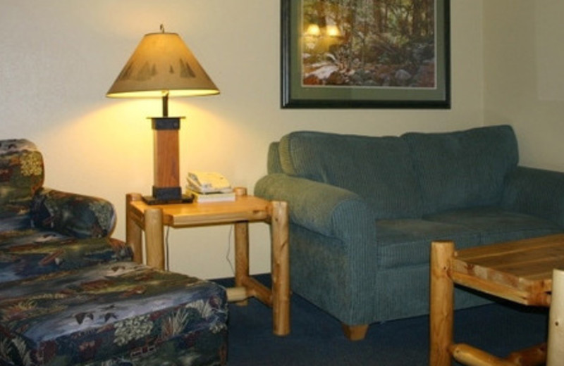 Suite sitting area at Three Bears Lodge.