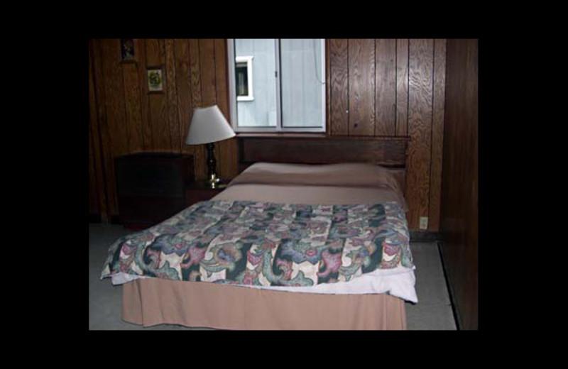 Guest room at Lake Henshaw Resort.