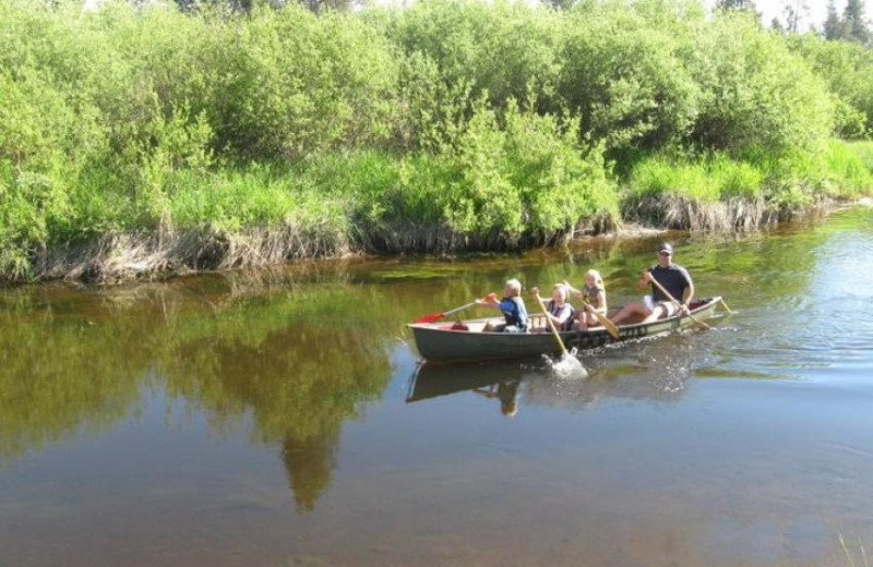 Family canoeing at Vacasa Rentals Sunriver.