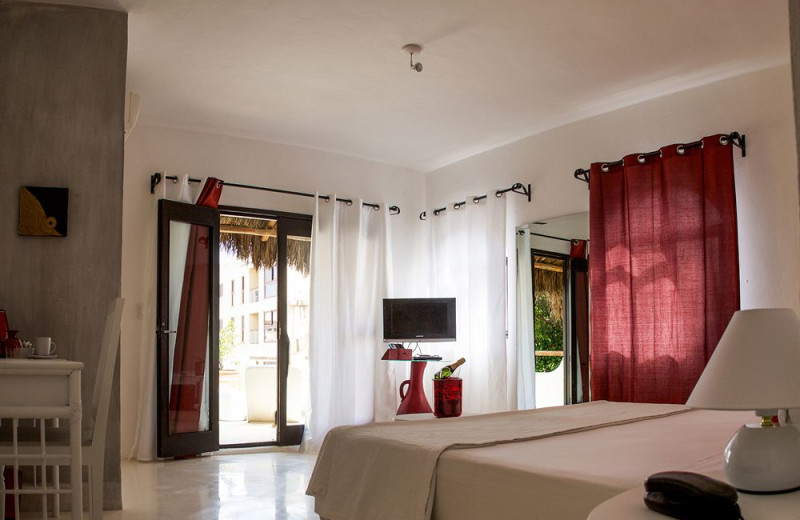 Guest room at Hotel Las Palapas.