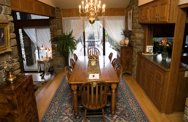 Dining room at Azalea Falls Lodge.