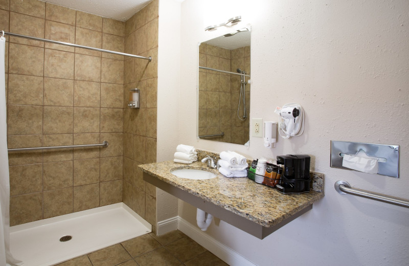 Guest bathroom at Southern Oaks Inn.