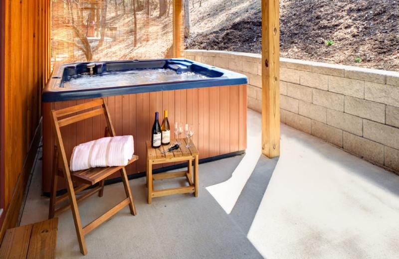 Rental hot tub at Carolina Mornings.