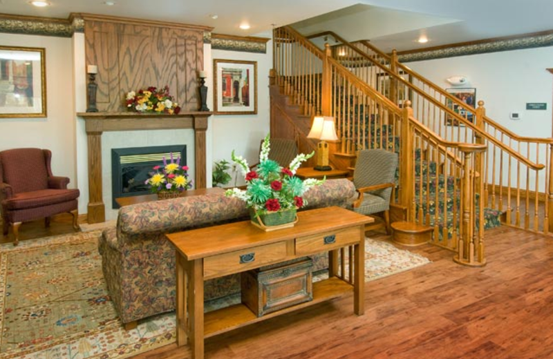 Lobby at Country Inn & Suites Chambersburg.