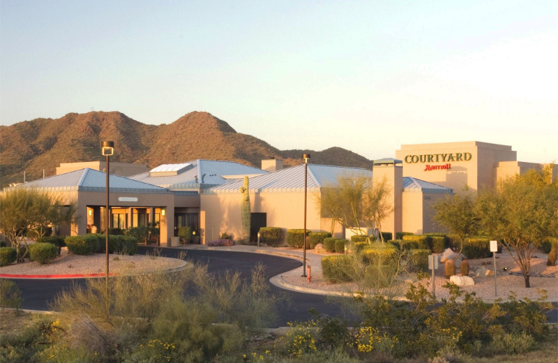 Exterior view of Courtyard by Marriott Scottsdale at Mayo Clinic.