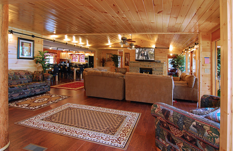 Sevierville Vacation Rentals - Lodge - 15-Bedroom Luxury Lodge in ...