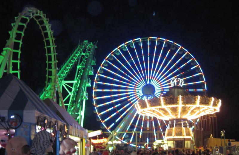Amusement park rides at Diamond Crest Motel.