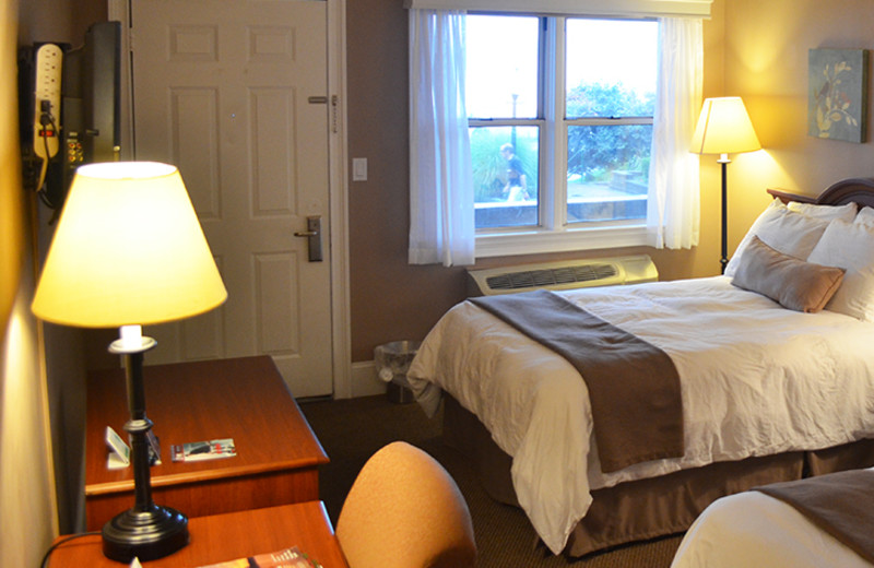 Two bed guest rooom at Inn on the Hudson.