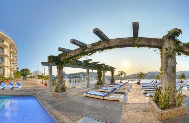 Exterior view at Alba Suites Acapulco.