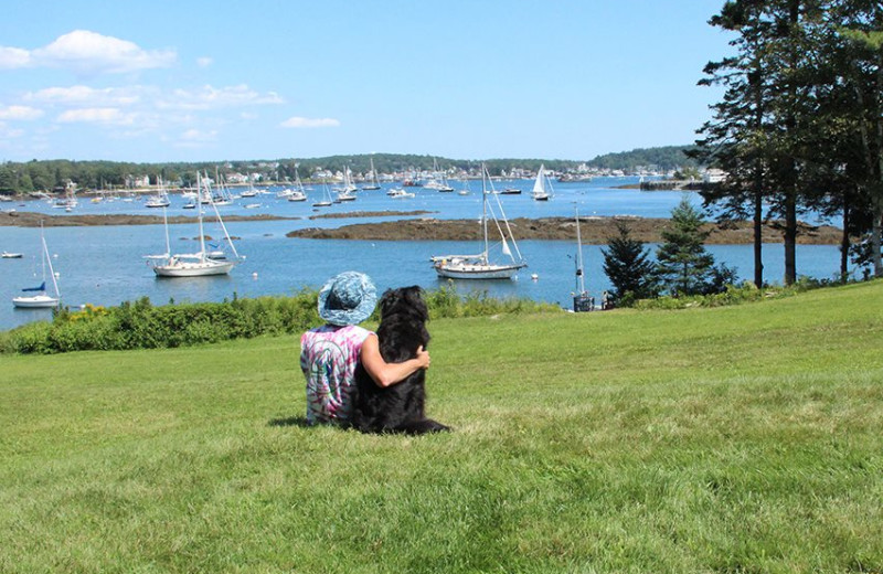 Family at Harborfields Waterfront Vacation Cottages.