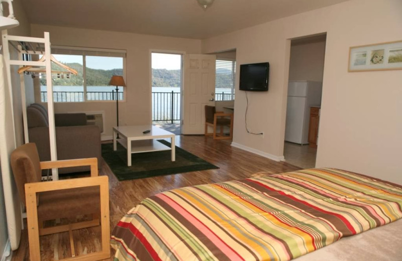 Guest room at Clear Lake Cottages & Marina.