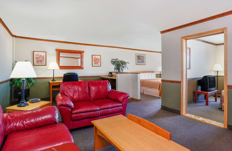 Guest room at Howard Johnson by Wyndham Helena.