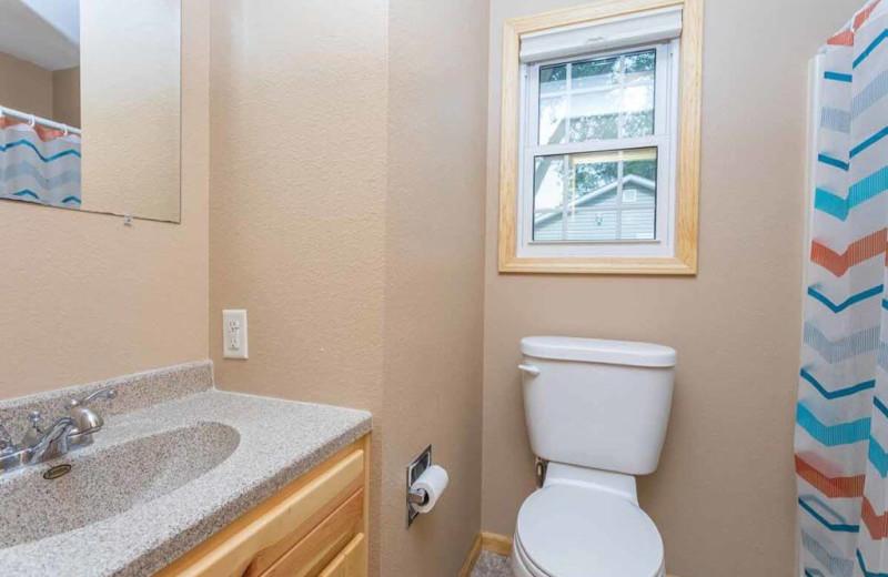 Cabin bathroom at Barrett Lake Resort.