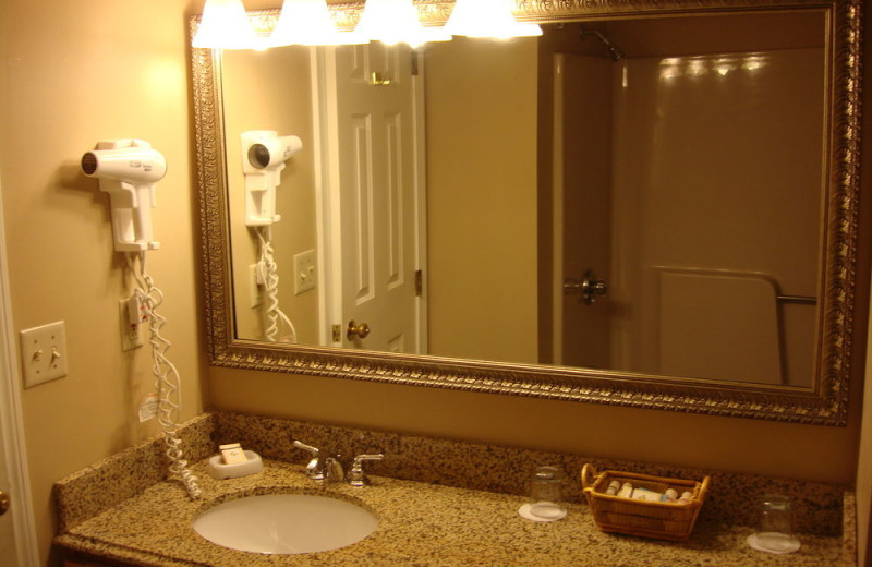 Guest bathroom at Grand Hotel of Ogunquit.