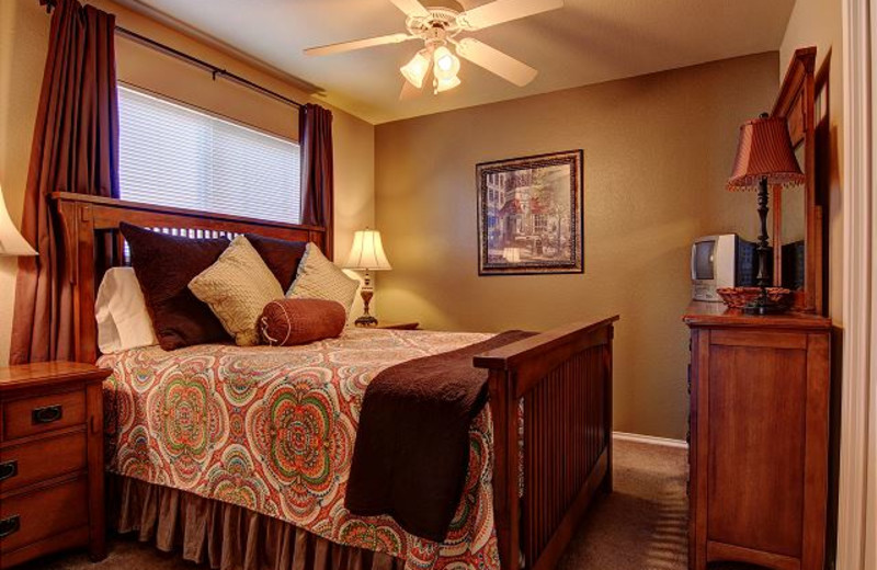 Rental bedroom at New Braunfels Escapes.