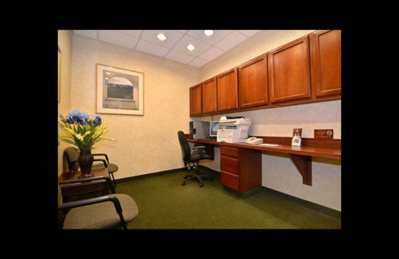 Business center at Comfort Suites - Twinsburg.