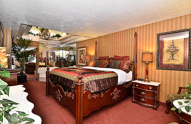 Luxurious guestroom at Abbey Inn