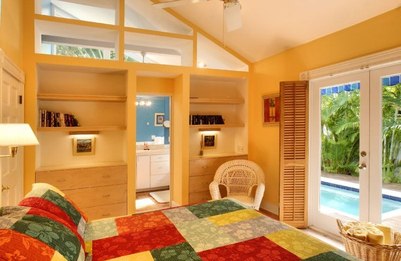 Guest bedroom at Key West Hideaways.