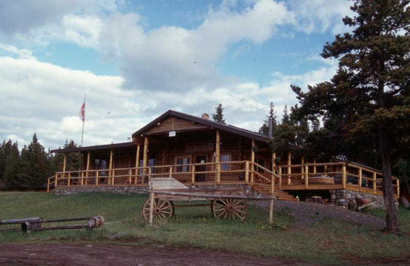 Exterior view of Chaunigan Lake Lodge.