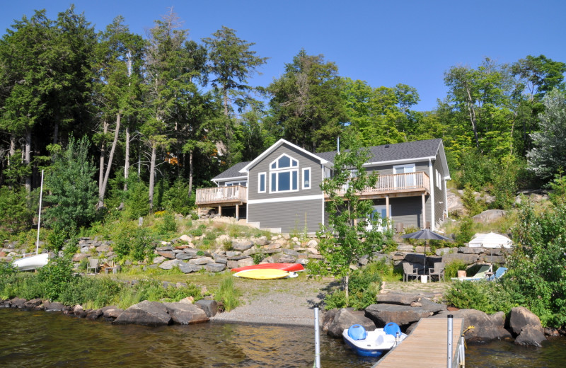 Rental exterior at Cottage Vacations.