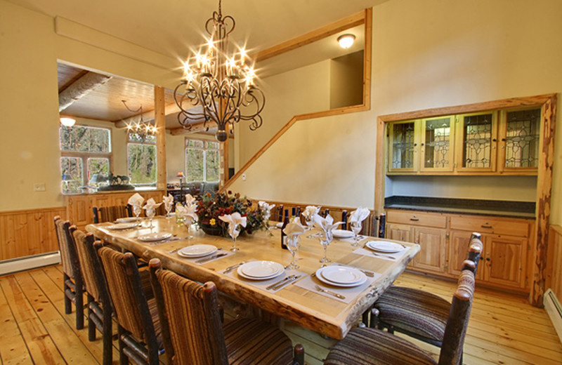 Guest dining room at The Lodge at Two Rivers.