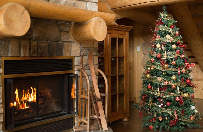 Holiday decor at Fiddler Lake Resort.
