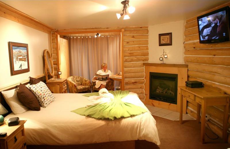 Guest room at Auberge Du Vieux Moulin.