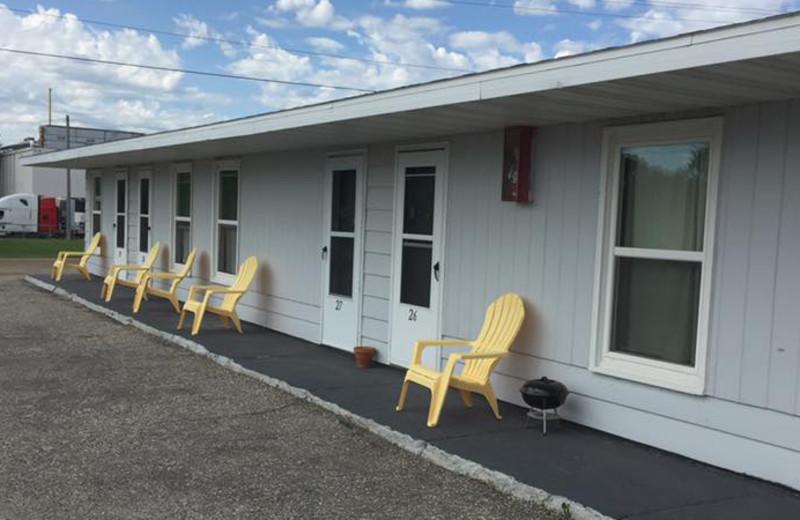 Exterior view of Pelican Motel.