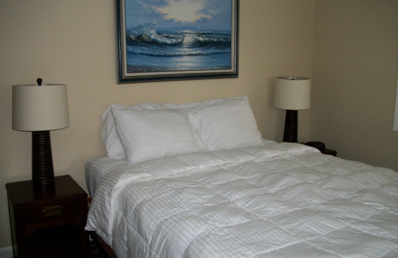Guest bedroom at Michillinda Beach Lodge.