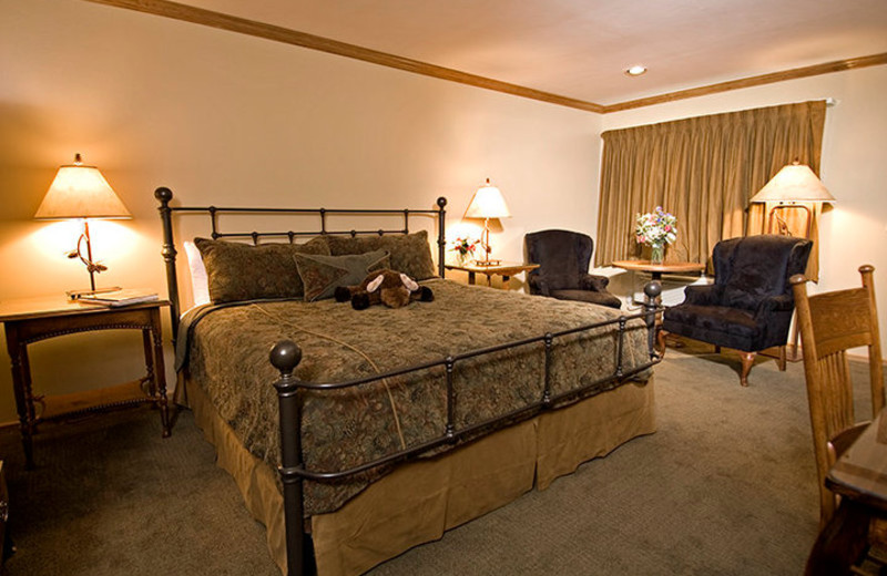 Guest Room at Parkway Inn
