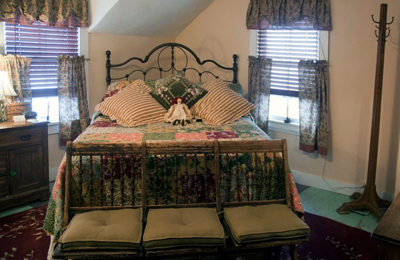 Guest bedroom at Inn at the Ridge.
