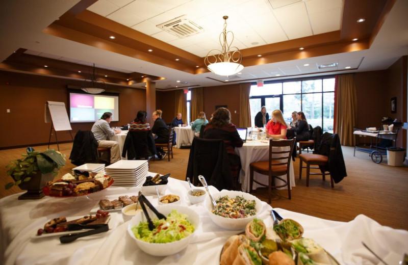 Meetings at Sunrise Ridge Waterfront Resort.