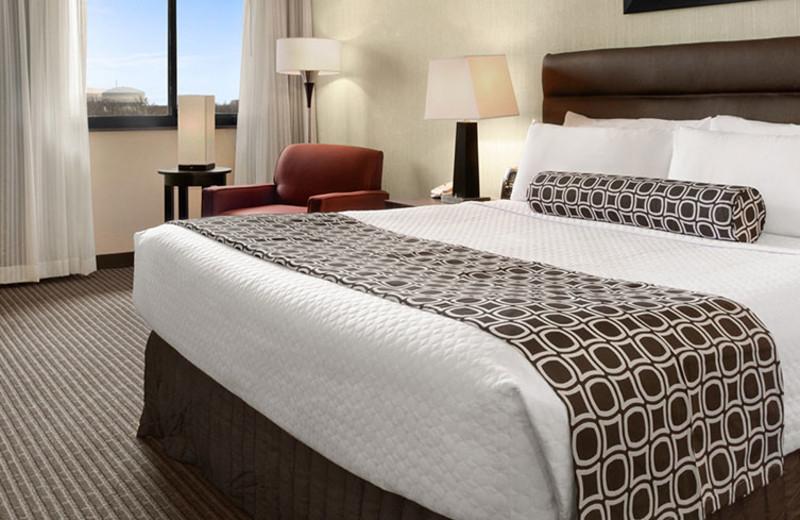 Guest Room at Crowne Plaza Columbus North - Worthington