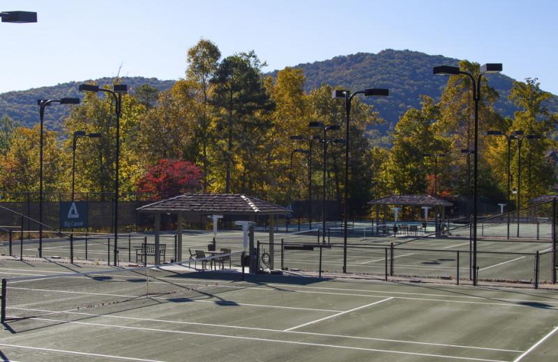 Tennis court near Mountain Vista Rentals.