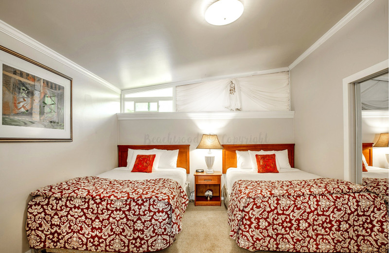 Guest bedroom at Beachwood Resort Condos.