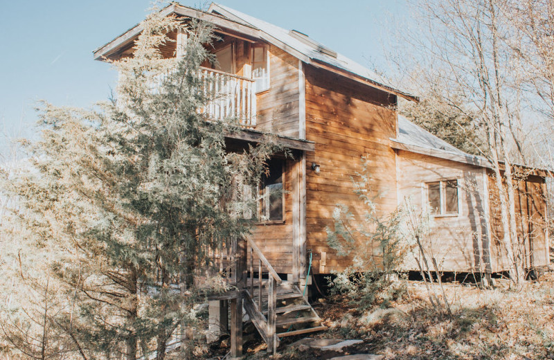Cottage exterior at Bobs Lake Cottages.