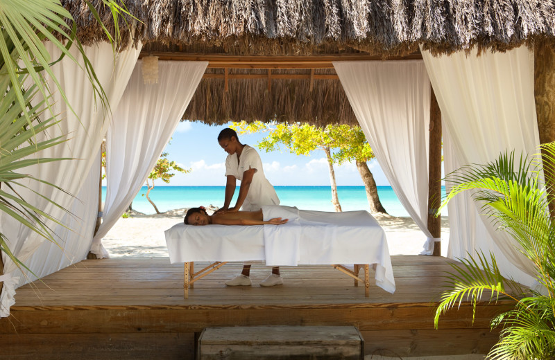 Back massage at Couples Resorts Negril.