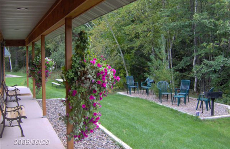 Cottage patio at Woodside Cottages of Bayfield.