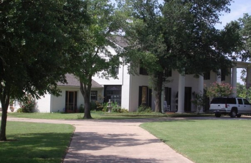 Exterior view of Dairy Manor Bed & Breakfast.