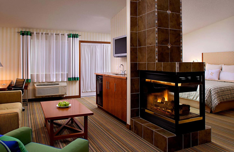 Guest room at Four Points by Sheraton Prince George.