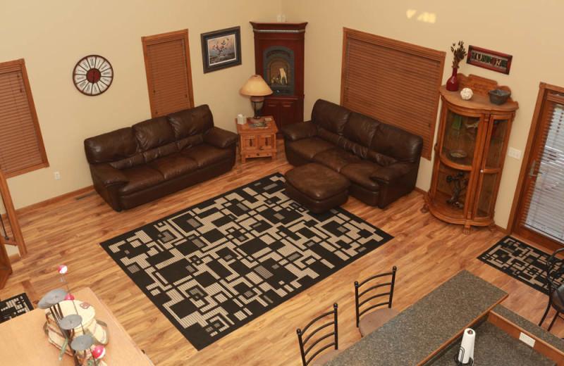 Guest living room at Granite Springs Lodge.