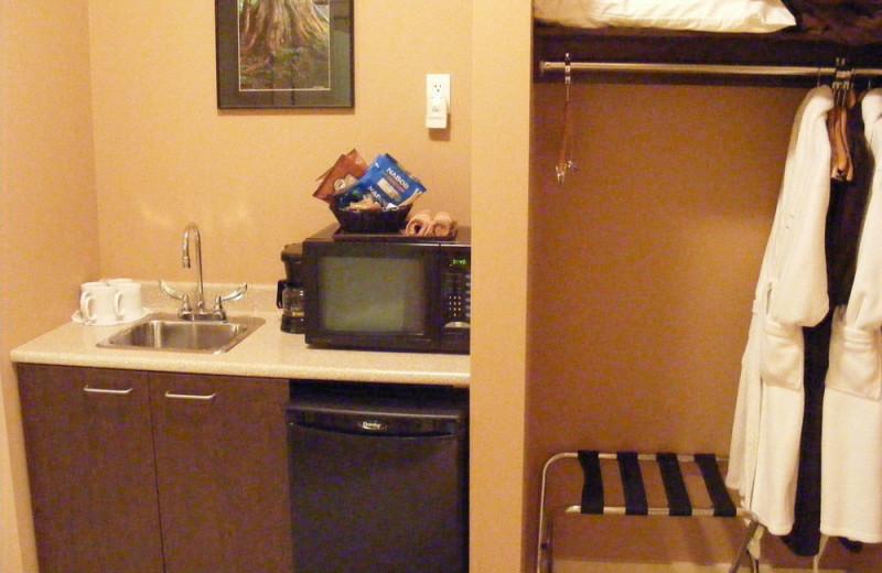Mini fridge at Honeymoon Bay Lodge & Retreat.