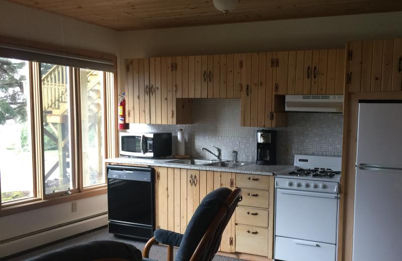 Guest kitchen at Thomsonite Beach Inn & Suites.