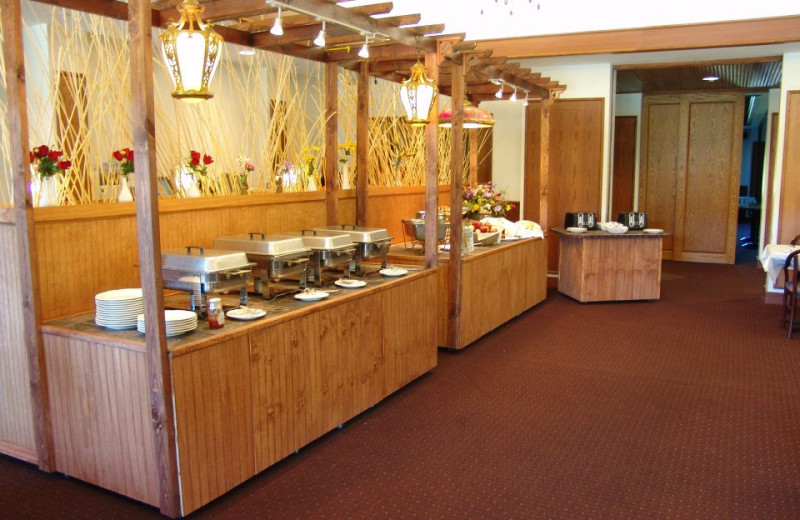 Dining buffet at Hanah Mountain Resort & Country Club.