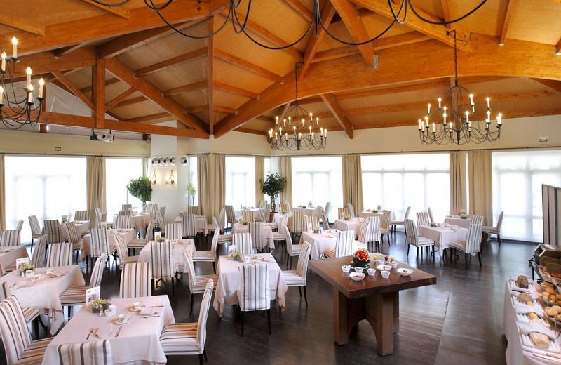 Dining at Hotel La Bobadilla.