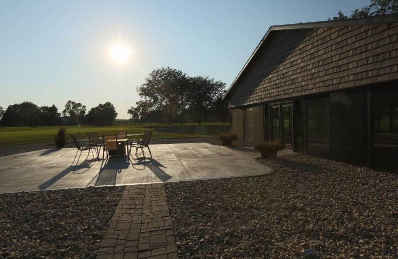 Exterior view of Coachman's Golf Resort.