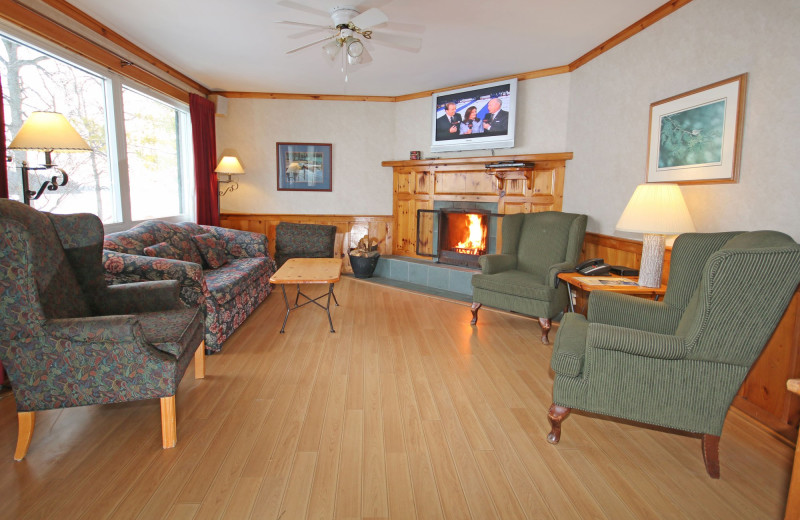 Guest living room at Elmhirst's Resort.