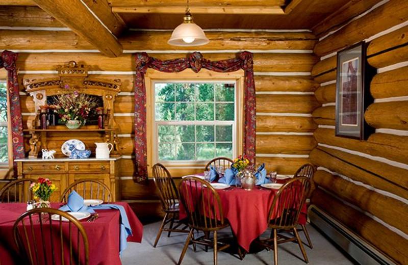 Dining at Aspen Ridge Resort.