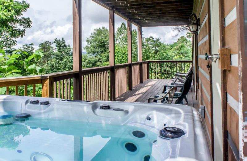 Rental hot tub at American Mountain Rentals.